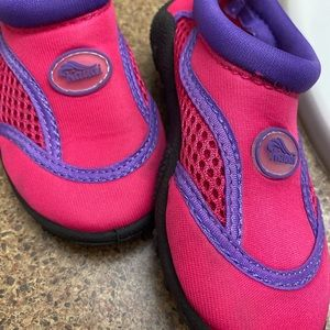 Kids water shoes-toddler size 8. NWOT